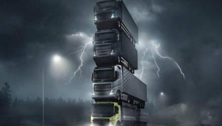 Видеофакт: четыре грузовика Volvo водрузили друг на друга