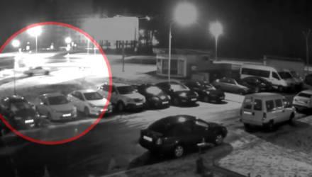 Двое могилевчан угнали авто и устроили на нём дрифт. Их разыскивают