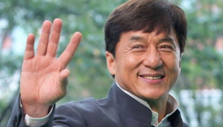 Джеки Чан заплатит миллион юаней создателю лекарства от коронавируса