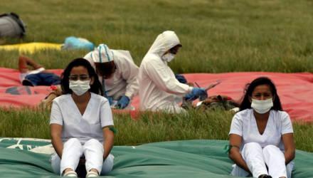 Число жертв коронавируса в Китае превысило 2,3 тысячи человек
