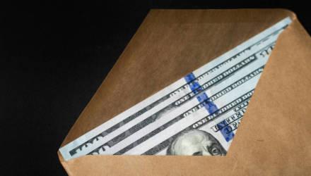 «Авторитету» из Осиповичей грозит до 7 лет: он обещал за 6 тысяч долларов «отмазать» бизнесмена от силовиков