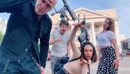 Милые фото IOWA на Могилевщине, а также Саши Бортичи, «Би-2» и других в родных местах