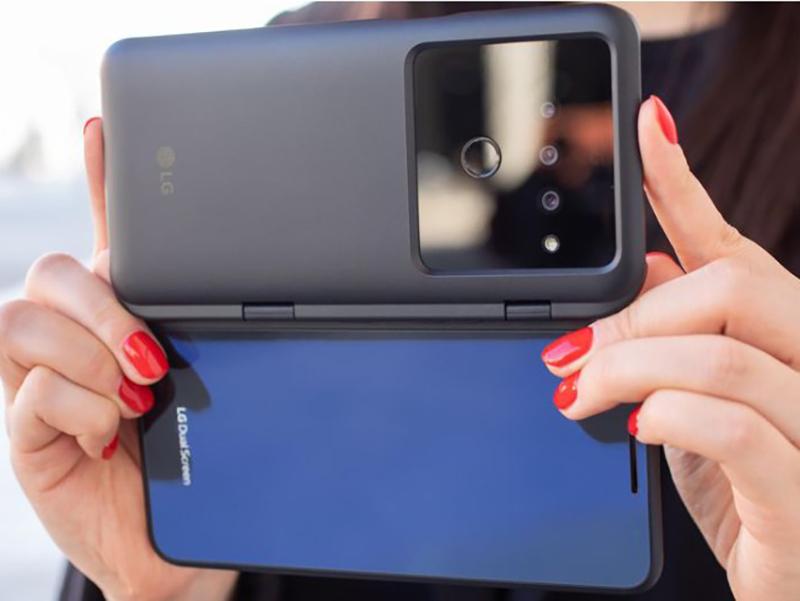 Названы лучшие смартфоны с тройной камерой