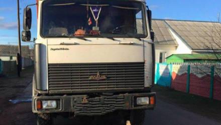 В Борисове мусоровоз насмерть сбил пешехода