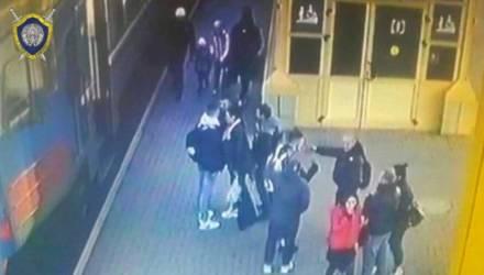Милиционер попросил парней не курить в электричке — те на него напали и убежали. Инцидент на маршруте Осиповичи — Минск