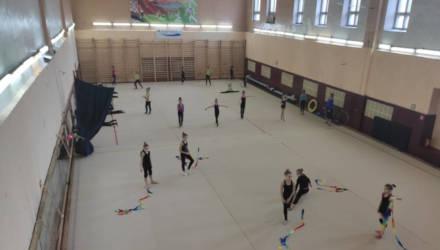 «Потеряем всех». В Могилеве закрывают зал художественной гимнастики, родители и тренеры возмущены