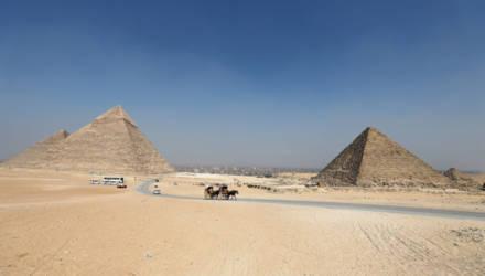 Египтянин упал с пирамиды в Гизе и разбился