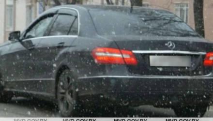 """""""Не думал, что заявит в милицию"""". Во время тест-драйва покупатель похитил Mercedes-Benz W212"""
