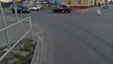 Легковушка сбила женщину и ребенка на переходе в Осиповичах