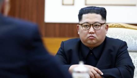 «Глубокая медитация»: лидер КНДР Ким Чен Ын впал в кому — его может сменить сестра