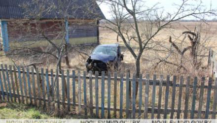 Под Могилевом Ford вылетел в кювет и несколько раз перевернулся: один человек погиб, еще один в реанимации