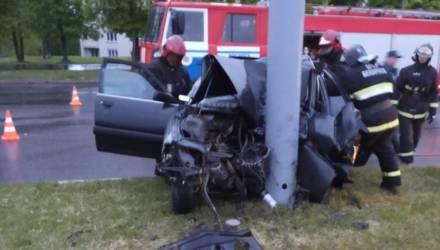 Спасатели деблокировали двух человек после аварии в Могилеве