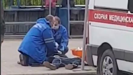 Скорая не спасла: в Могилеве на остановке умер 23-летний парень
