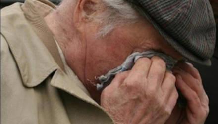 80-летнего пенсионера обокрали на автовокзале в Могилеве
