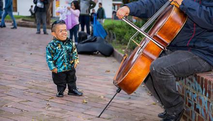 72 см. Посмотрите, как выглядит самый маленький мужчина в мире