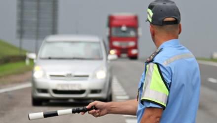 С 25 мая водители обязаны будут двигаться с включенным ближним светом фар днем