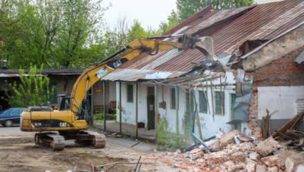 Ради супермаркета сносят часть зданий завода «Строммашина» в Могилеве