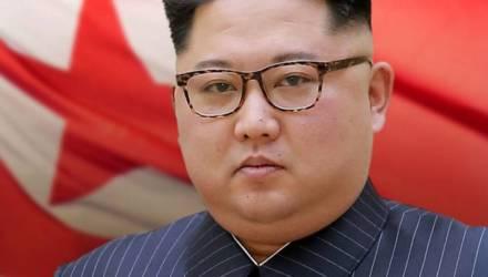 На руке «ожившего» Ким Чен Ына нашли загадочный след