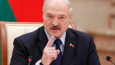 Лукашенко заявил, что берет ситуацию со смертностью населения от коронавируса на контроль