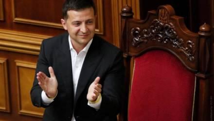 Год назад Зеленский стал президентом Украины. Как он справился?
