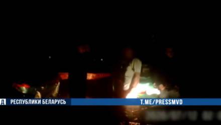 В Горках задержали пьяного мужчину на угнанных «жигулях». Он ехал без света и задним ходом