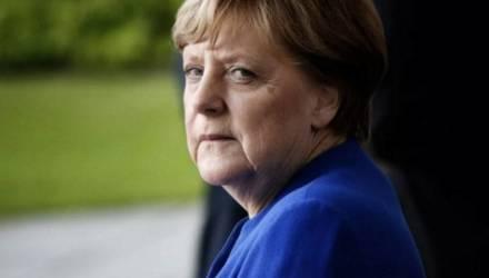 «Никуда не исчезнет»: Меркель высказалась о пандемии по COVID-19