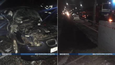 В Могилёве пьяная девушка-водитель с подружкой на BMW упали с моста